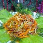 Салат из моркови и огурцов