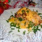 Розмариновый карп на картофельно-луковой подушке
