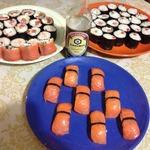 Роллы и нигири суши