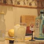 Алкогольный коктейль Джин-тоник