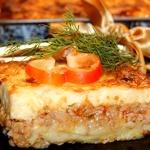 Картофельно-мясная запеканка с соусом Бешамель