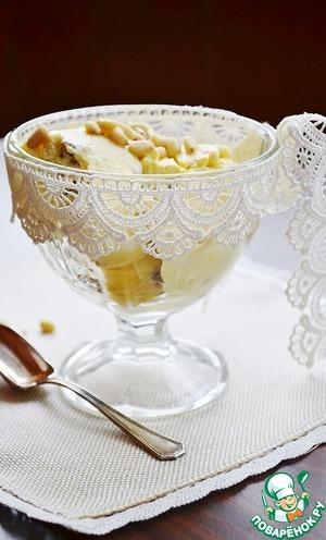 Рецепт: Мороженое с бородинским хлебом и кедровыми орешками