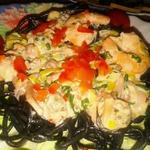 Паста Неро с морепродуктами под сливочным соусом