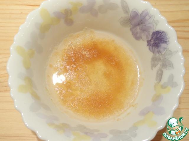 Сливочный мусс с клубничным соусом