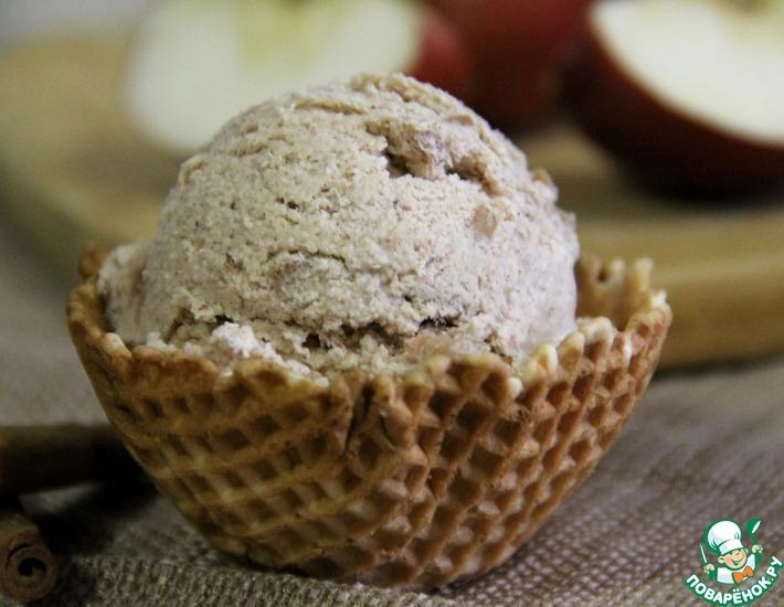 Яблочно-ванильное мороженое с корицей