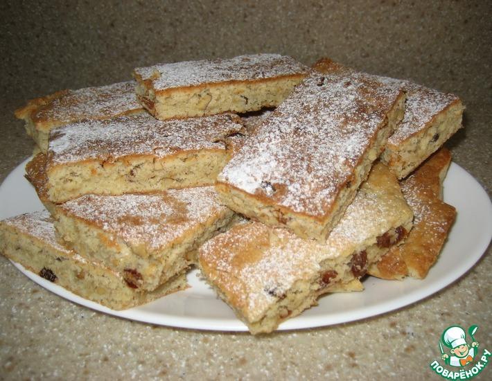 Рецепт: Сухой пирог с орехами и изюмом