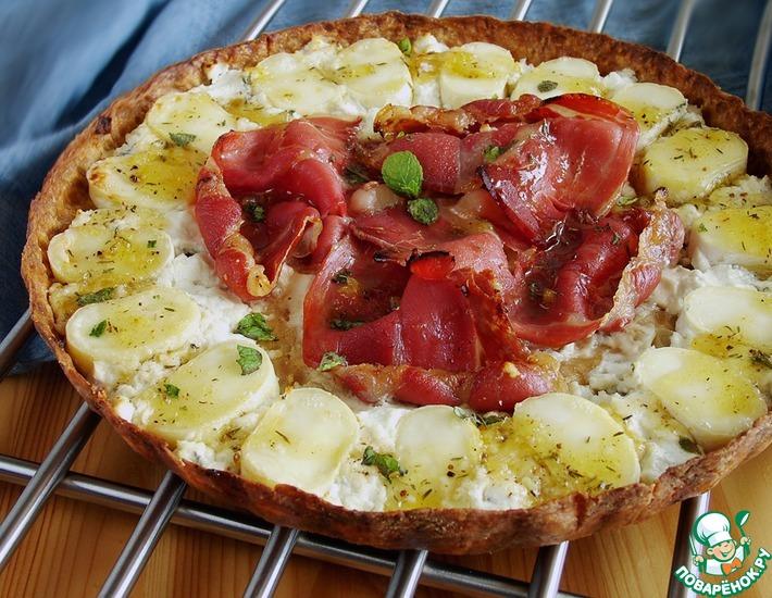 Рецепт: Тарт с пармской ветчиной и сырами