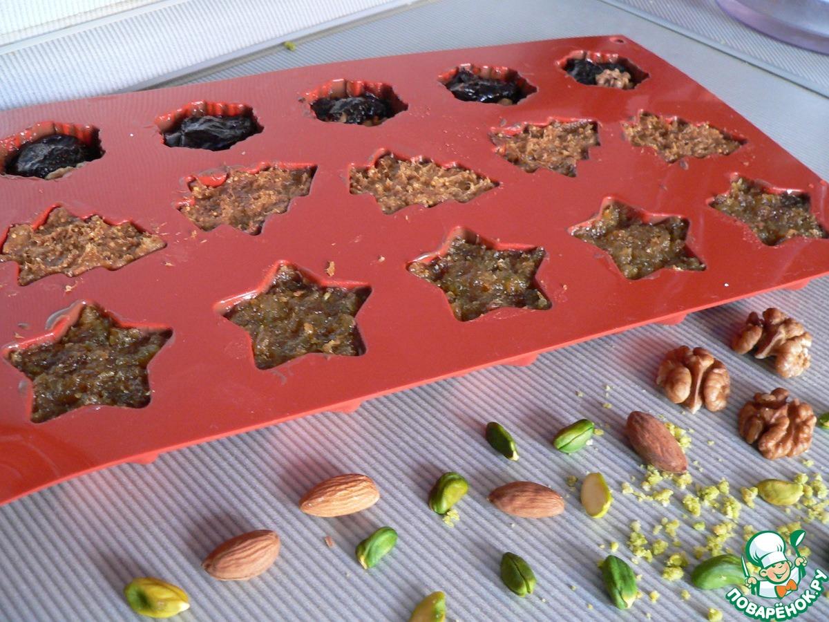 Конфеты шоколадные с фисташковой пастой и сухофруктами