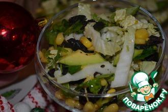 Рецепт: Салат со сладкой кукурузой и авокадо