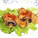 Фаршированые куриные голени, томленые в сметанном соусе