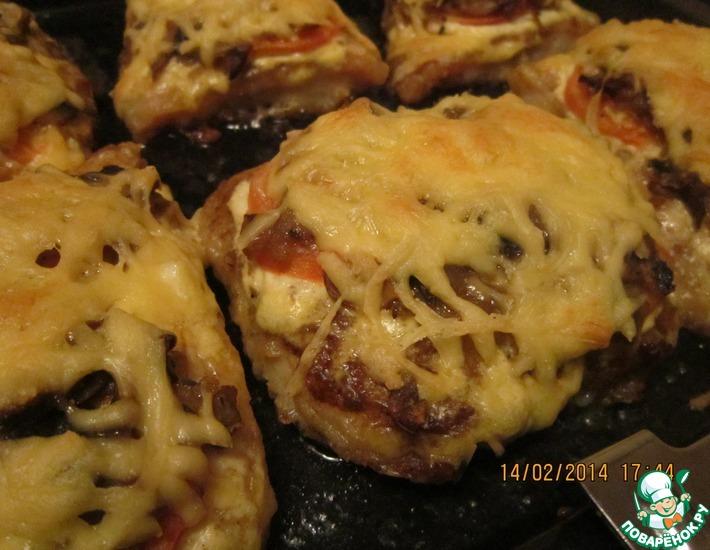 Рецепт: Запеченная рыба с грибами под сыром