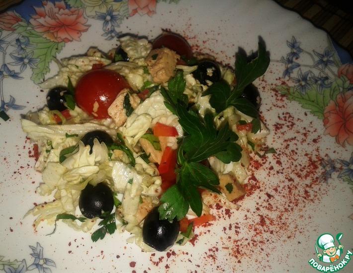 Рецепт: Салат из китайской капусты с печенью трески