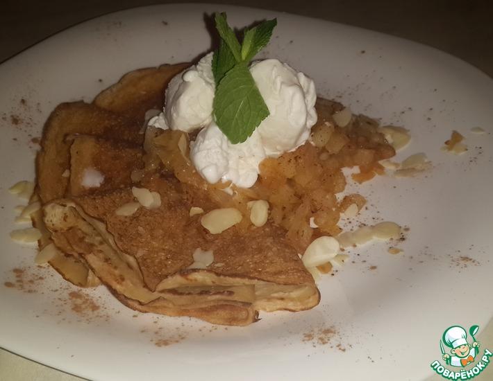 Рецепт: Карамелизированное яблоко с миндалём и корицей