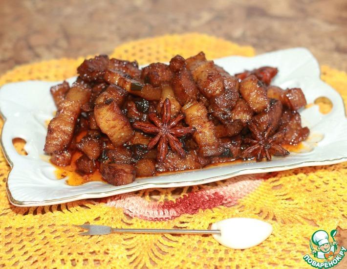 Рецепт: Жареная свиная грудинка по-красному