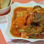 Телячьи ребрышки с фасолью и морковью