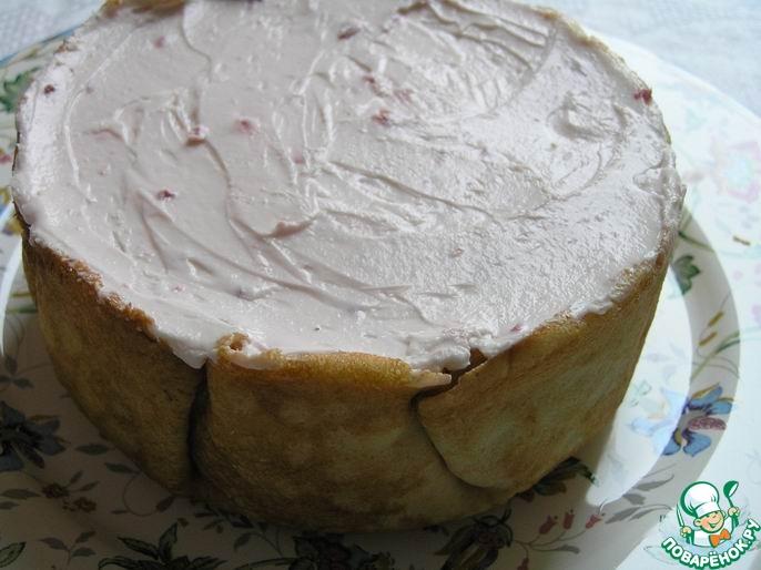 Малиново-черничный блинный торт