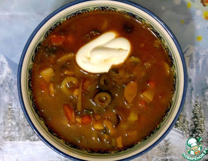 Рецепт: Солянка с белыми грибами и беконом