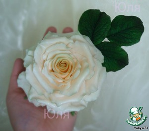 Rose from sugar mastic
