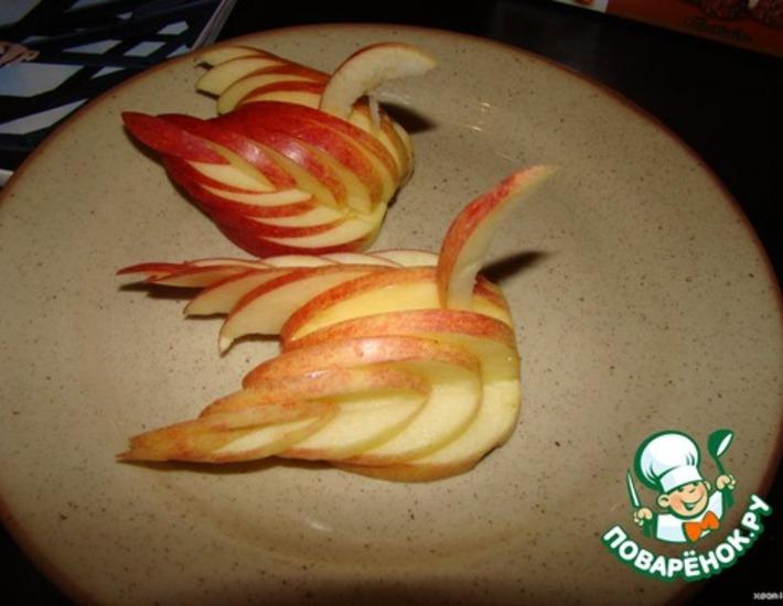 Рецепт: Украшение Лебедь из яблока