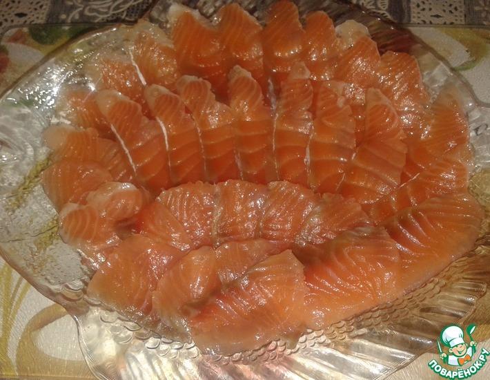 Рецепт: Соленая семга с гвоздикой