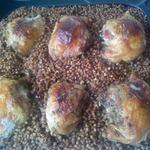 Куриные бедрышки с гречкой