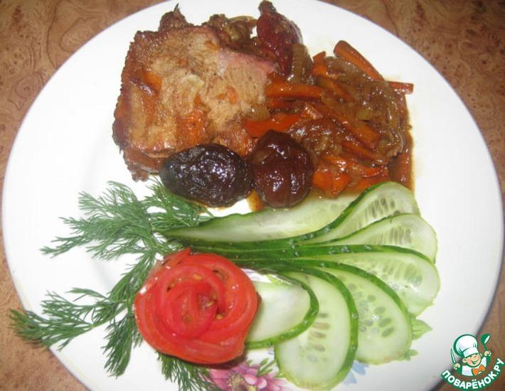Рецепт: Мясо тушеное с черносливом