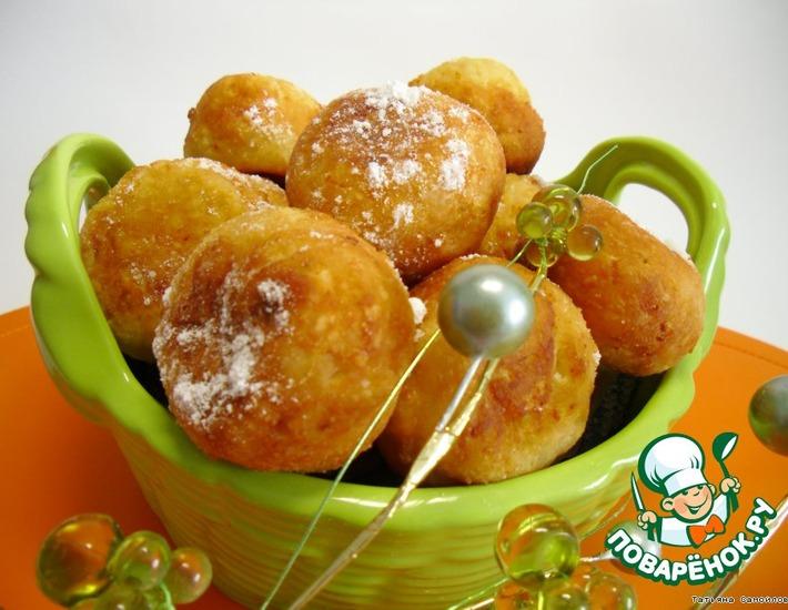 Рецепт: Творожные пончики с курагой