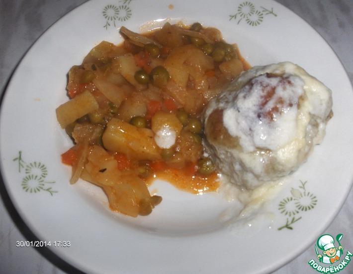 Рецепт: Овощное рагу с рыбными биточками