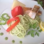 Спагетти с лососем и шпинатом
