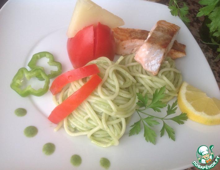 Рецепт: Спагетти с лососем и шпинатом
