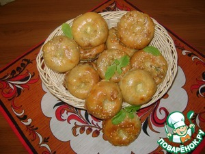 Layered mini pies with cabbage