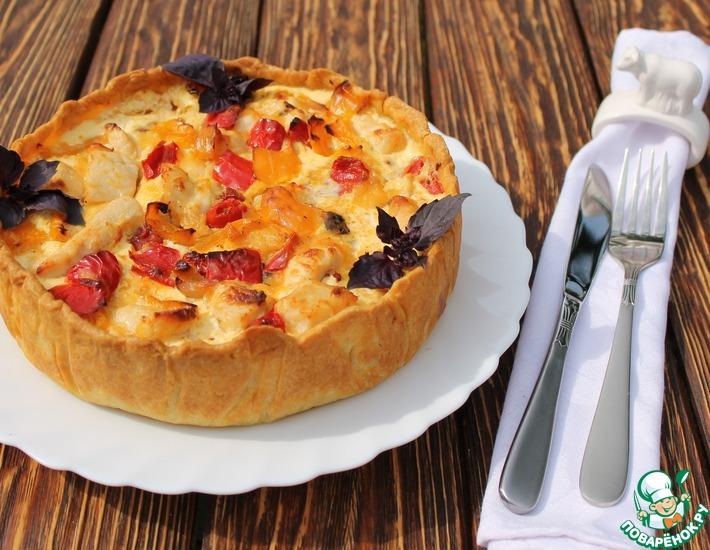 Рецепт: Пирог с курицей, перцем и вялеными томатами