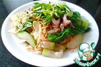 Рецепт: Лапша с овощами и морепродуктами по-вьетнамски