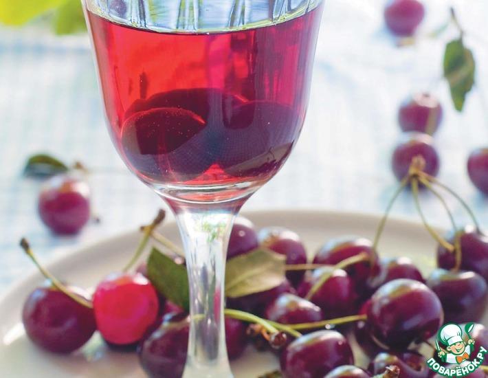 Рецепт: Напиток из свежезамороженной вишни