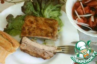 Рецепт: Запеченные свиные ребрышки с салатом «Мурсия»