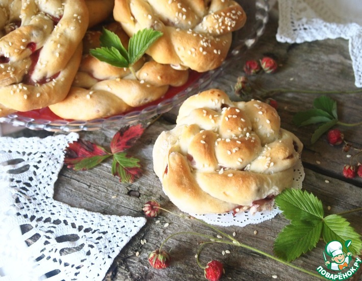 "Булочки ""Осень, клубника, шоколад"" – кулинарный рецепт"