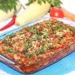 Цветная капуста с курицей в томатно-овощном соусе