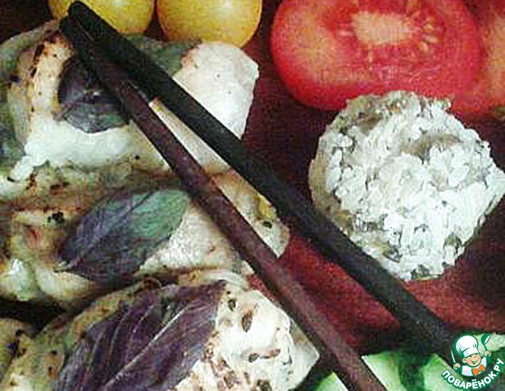 Рецепт: Рыбные и куриные рулеты, жареные на огне в японском стиле