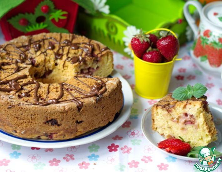 Рецепт: Пирог с клубникой
