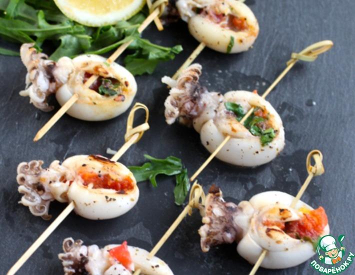 Рецепт: Молодые фаршированные каракатицы на гриле