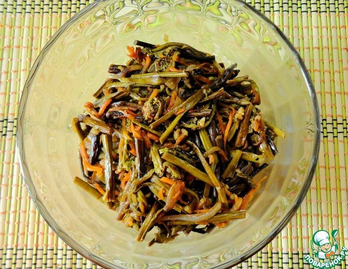 Рецепт: Салат из папоротника Дальневосточная фантазия