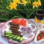Колбаски Чевапчичи по-сербски