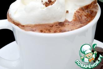 Рецепт: Кофе с мятным сиропом и шоколадной крошкой
