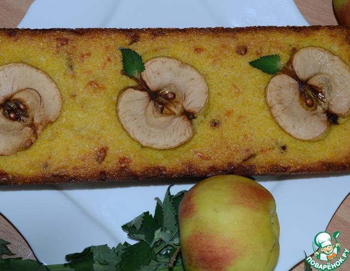 Рецепт: Яблочно-кукурузный кекс с сыром и луком