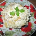 Салат с консервированным манго и пармезаном