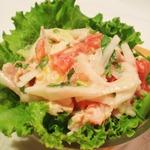 Салат из дайкона с вареным куриным филе