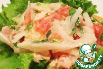 Рецепт: Салат из дайкона с вареным куриным филе