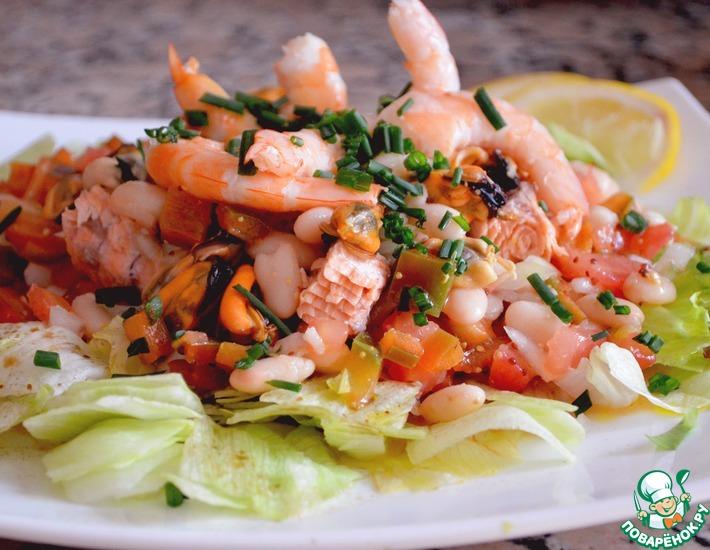 Рецепт: Салат из морепродуктов и белой фасоли