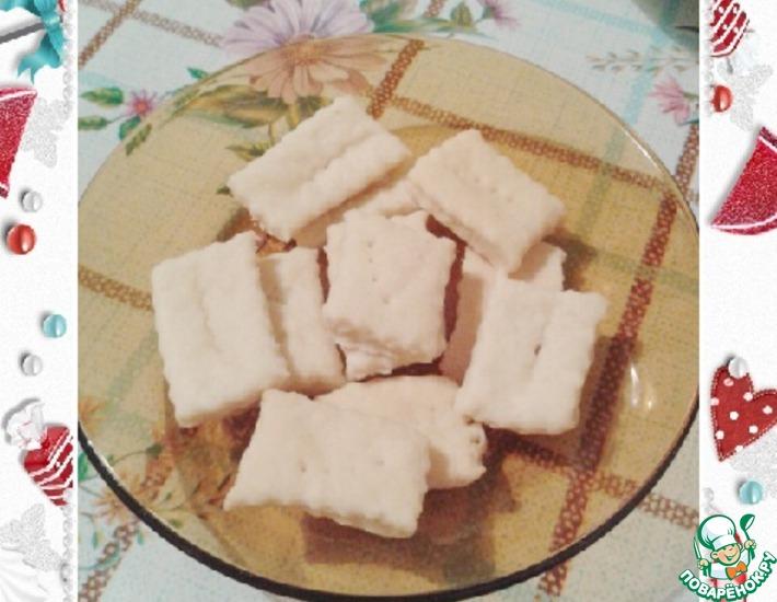 Рецепт: Простые соленые крекеры