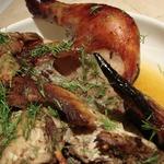 Курица в рукаве с брусничным соусом